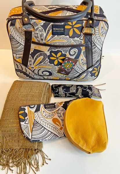 Small daybag Fossil - Veske med sennepsgul og svart print